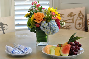 Bouquet and Fresh Fruit Amenity